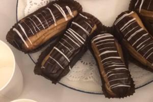 Самые вкусные эклеры в Петербурге — в буфете Филармонии