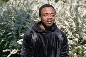 Камерунец Крис Браун — о невоспитанности русских подростков, Парке 300-летия и съемках в клипе SKIBIDI