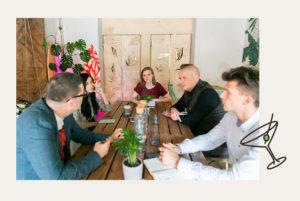 «Все мешают всем и все борются со всеми». Как возникают конфликты на барных улицах Петербурга и могут ли их решить заведения и горожане? Дискуссия «Бумаги»