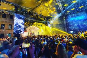 Как Земфира, «Би-2» и Little Big выступили на вечеринках ПМЭФ. 10 видео