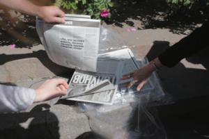 Пока в Москве задерживали и били сотни человек, в Петербурге мирно стояли в пикетах и раздавали газеты. Как прошла акция в поддержку Ивана Голунова