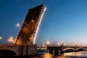 Из-за «Алых парусов» Троицкий мост два дня будут разводить с 21 часа