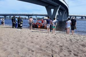 Подросток погиб после падения с Яхтенного моста