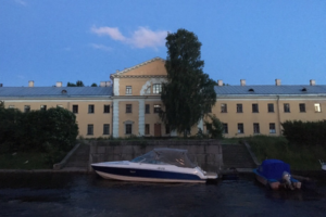 На набережной Карповки начали строить зону отдыха. Благоустройство завершат к 2022 году