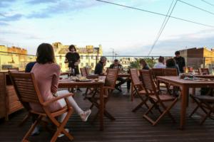 На крыше «Бертгольд Центра» откроется ресторан «Рассветы/закаты». Там будут подавать филе судака со шпинатом и царскую уху