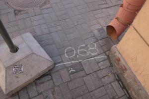 Почему в Петербурге такие узкие тротуары и как подобную проблему решают в Европе? Рассказывает урбанист