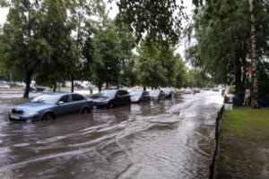 В Петербурге из-за ливней затопило станцию метро «Девяткино» и улицы на севере города