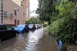 Как Петербург затапливает во время летних дождей. Видео