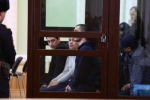 В Петербурге суд начал допрашивать обвиняемых по делу о теракте в метро. Что мы узнали на слушании