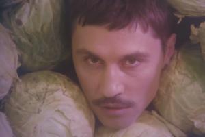 Дима Билан выпустил клип «Про белые розы». Его снял Александр Гудков