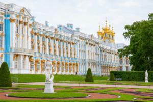 Электронные билеты в Екатерининский дворец в Царском Селе можно будет купить только по паспорту и не чаще раза в месяц