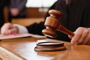 Суд в Петербурге арестовал продюсера фильмов «Трудно быть богом» и «Довлатов» по делу о хищении 20 млн рублей у Минпромторга