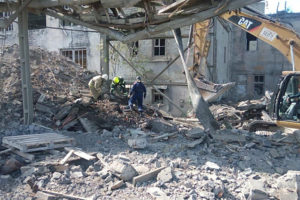 В Волхове при демонтаже обрушилось здание, два человека погибли под завалами. Что об этом известно