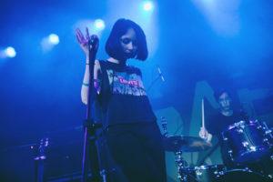 «Нас слушают те, кому грустно»: как в Петербурге зародилась новая волна акустического рока — с женской лирикой