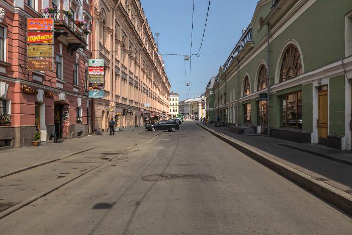 Думская улица стала пешеходной по выходным и праздничным дням