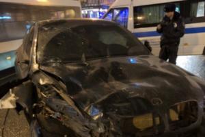 Обвиняемого в ДТП на Невском отпустили из СИЗО, запретив управлять автомобилем. Водитель употребил «веселящий газ» — в аварии погибли два человека
