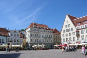 На каком транспорте выгоднее путешествовать из Петербурга в страны Балтии? В «Туту.ру» провели исследование