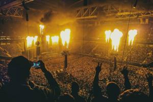 «Оглох, охрип, счастлив»: как на «Газпром Арене» прошел концерт Rammstein с 60 тысячами зрителей и что о нем говорят петербуржцы