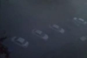 Во дворе на проспекте Королева неизвестные зажгли дымовую шашку, сообщают очевидцы
