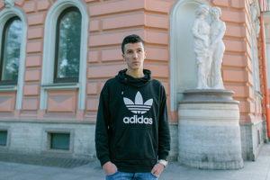 Алжирец Хосин Бенмамар — о русской дружбе, 30-градусных морозах и жизни на Васильевском острове