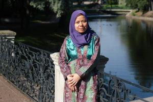 Индонезийка Олифиа Моника — о белых ночах, угрюмости русских и мечети на «Горьковской»