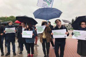 Около 50 человек вышли на митинг в поддержку студентов-политзаключенных на площади Ленина в Петербурге