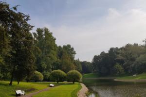 В Коломягах восстановили исторический парк Орловых-Денисовых. Но усадьбе еще нужен ремонт