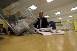 Почему на выборах в Петербурге такая низкая явка и как голосовали в прошлые годы? Рассказывает политолог