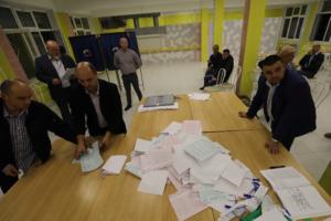 «Справедливая Россия» и «Яблоко» требуют ускорить подведение итогов муниципальных выборов. Они считают, что комиссии медлят, так как готовят фальсификации