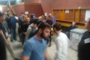 Во время выборов в Петербурге чеченцы помогали членам избиркомов. Прийти в УИКи их попросили в представительстве главы Чечни в СЗФО