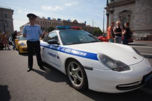 Петербургских полицейских обучат поведению в соцсетях. Их якобы предостерегли, что оппозиция и иностранные спецслужбы собирают данные в интернете