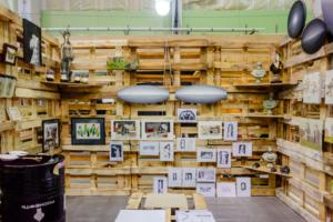 Ярмарки современного искусства — новое увлечение петербуржцев и двигатель арт-бизнеса. Вот зачем покупать картины местных художников