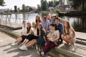 Как проект Waterfront исследует пространства у воды. Активисты проводят лекции о Пряжке, борются с борщевиком на Охте и устраивают пленэры у Галерной гавани