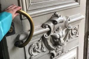 Как петербуржцы спасают исторические двери из мусорных баков. Рассказывает соосновательница проекта «Двери с помоек»
