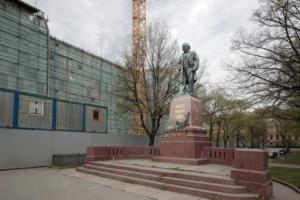 Консерваторию Римского-Корсакова реставрируют уже пять лет, студенты занимаются в тесных залах с плохой акустикой. Почему стройку не могут закончить и что известно о хищениях