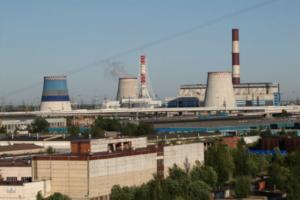 На юге Петербурга два дня жалуются на химический запах. Чиновники говорят, что он не опасен, но источник найти не могут
