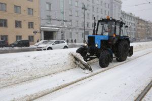 Власти говорят, что Петербург готов к зиме. Как будут убирать город в этом сезоне и ждать ли снова сугробов и гололедицы