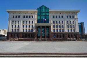 В Петербурге анонимными письмами «заминировали» суды, две станции метро и более 40 торговых центров. И пригрозили атаковать Кремль «дронами-комикадзе»