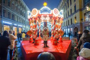 Как создавали новогоднюю ярмарку на Манежной площади и почему там так много скульптур мышей? Рассказывает сооснователь ивент-агентства