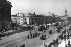 Куда петербуржцы ходили за покупками с XVIII века по сегодняшний день? Девять главных торговых площадок — от Апраксина двора до «Галереи»