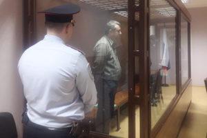 Участковый из Петербурга вместе с сообщниками 5 лет убивал людей ради квартир. Что известно о преступной группе, главарь которой получил пожизненное