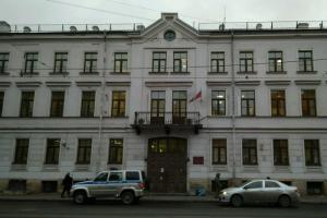 В Петербурге в первый день после каникул «заминировали» суды, аэропорт, станции метро и роддома
