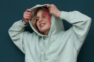 Певица Гречка выпустила новый альбом «Из доброго в злое»