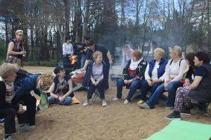 В Петербурге уже 10 лет проводят встречи для родителей ЛГБТ-людей. Как матери реагируют на каминг-ауты детей и почему не все готовы принять своего ребенка