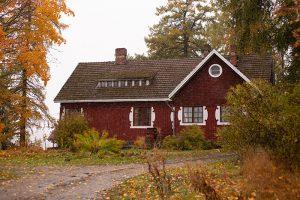В Карелии сохранилась единственная в России постройка финского архитектора Ларса Сонка. Вот история 100-летней усадьбы, которую восстановила петербурженка