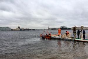 Как в Петербурге проходят крещенские купания без снега и прорубей. 12 фото и видео
