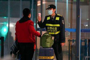 Стоит ли россиянам паниковать из-за коронавируса из Китая, чем он отличается от предыдущих и откуда берутся новые вирусы? Рассказывает специалистка НИИ вакцин и сывороток