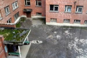 Боткинская больница сократила сроки карантина после побега пациентки с подозрением на коронавирус, пишет «Фонтанка»