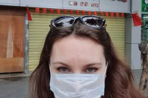 Главный санитарный врач Петербурга через суд потребовала госпитализировать девушку, сбежавшую из-под коронавирусного карантина. Ей отказали