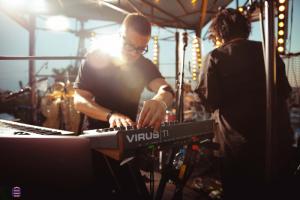 На фестивале Roof Fest выступят IOWA, «Би-2» и Бутусов. Они сыграют на крыше на Кожевенной линии